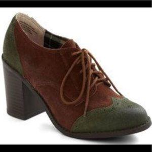 New Modcloth Oxford Common Heel Bootie Size 7